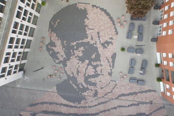 Picassoplatz vor dem Picasso-Museum